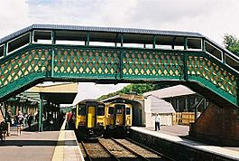 031509 109c2324-OkehamptonRailwayStation(JohnSpivey)Jul2005.jpg