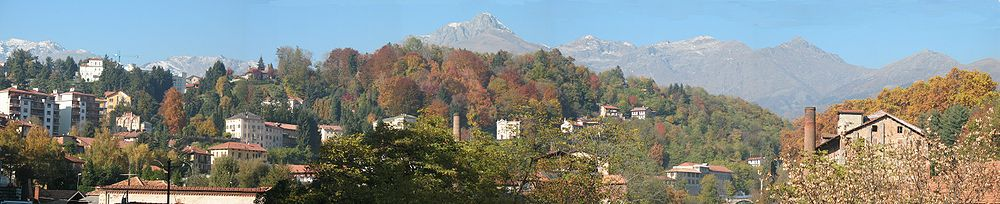 Biella-Panorama da Chiavazza.JPG