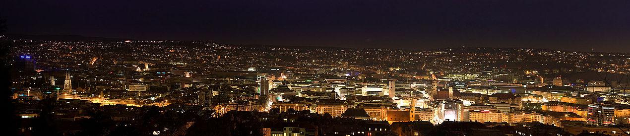 Stuttgart v noci, ze severozápadu