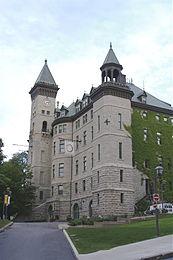 Old Quebec City Hall.jpg