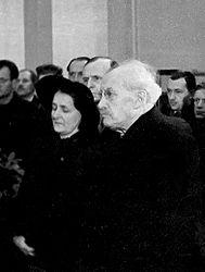 Zdeněk Nejedlý na pohřbu Cypriána Majerníka v roce 1945