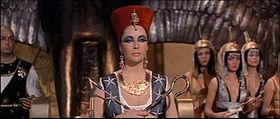 800px-1963 Cleopatra trailer screenshot (10).jpg