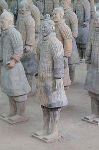 Un gruppo di guerrieri di terracotta