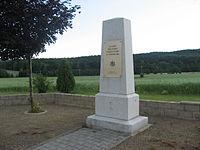 Štoky, památník obětem bojů z dob napoleonských válek.jpg