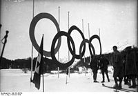 Bundesarchiv Bild 102-00794, St. Moritz, Olympische Ringe.jpg
