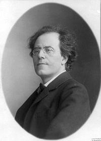 Gustav Mahler 1909 2.jpg