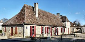 La mairie au centre du Fleix