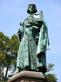 Statuia lui Henric Leul din Braunschweig, Germania.