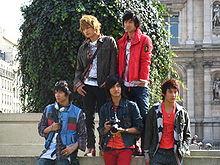 2009年前东方神起由5人组成