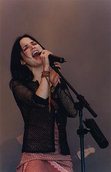 Andrea Corr al Glastonbury Festival, 1999