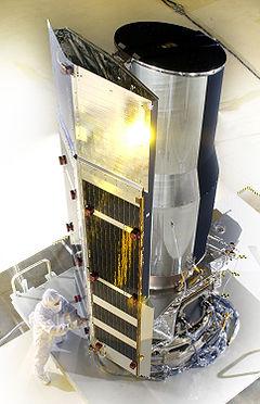 Spitzerův vesmírný dalekohled před startem