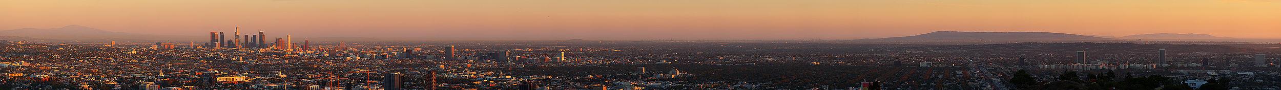 Panorama da região metropolitana de Los Angeles.