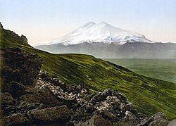 Dvojitý vrchol Elbrusu na staré fotografii