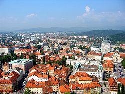 Ljubljana z gradu proti Viču.jpg