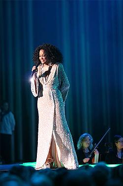 羅斯在2008年諾貝爾和平獎音樂會上表演