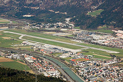 Overview of Innsbruck airport.jpg