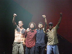 I Rage Against the Machine in concerto.