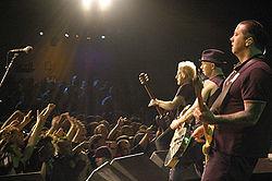 In concerto a San Francisco nel 2006. Dalla destra in primo piano: Matt Freeman, Tim Armstrong e Lars Frederiksen