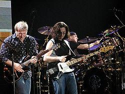 I Rush in concerto a Milano il 21 settembre 2004 (da sinistra: Lifeson, Lee e Peart)
