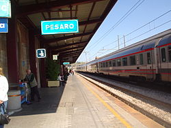 Stazione-pesaro-binario1.jpg