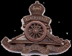WWII Royal Artillery Cap Badge.png