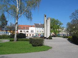 Hulín, náměstí Míru s radnicí