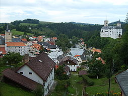 Dolní hrad a město Rožmberk.