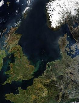 Marea Nordului privită de un satelit artificial