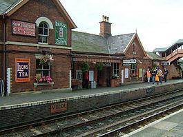 BewdleyRailwayStation(AndyAndHilary)Sep2004.jpg