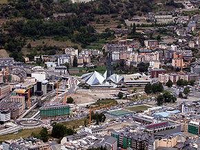 Vedere panoramică spre Andorra la Vella