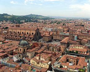 Vedere panoramică spre Bologna