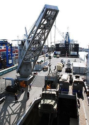 USS FortMcHenry02.jpg