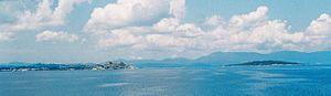 Vido (rechts) vor der Ostküste Korfus