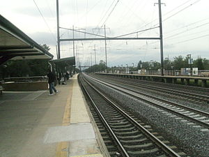 Looking Trenton-bound from Edison station.jpg