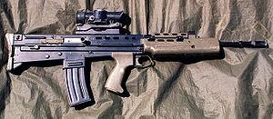SA-80 rifle 1996.jpg