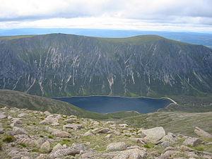 View towards Loch Einich - geograph.org.uk - 230935.jpg