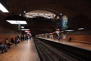 博訥站的月台