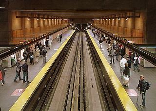 卡迪耶站月台