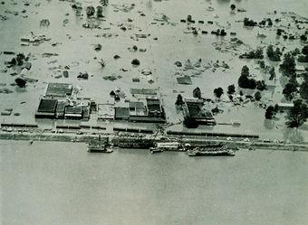 Überschwemmte Häuser am Mississippi