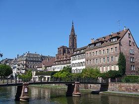 Bords de l'Ill et cathédrale Notre-Dame.