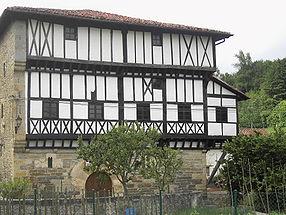maison-palais du XIIIe siècle.