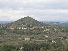 Vue du village au pied du Puech