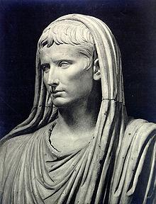Augustus as pontifex maximus.jpg