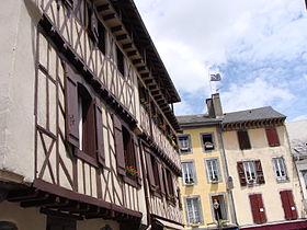 Des maisons à colombages à Bagnères-de-Bigorre.