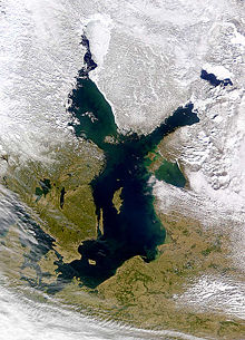BalticSea March2000 NASA-S2000084115409 md.jpg