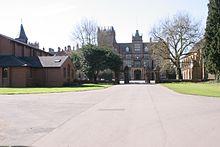 Bear Wood College 02.jpg