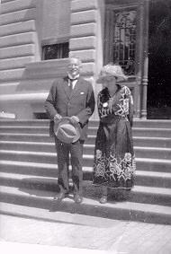 Beatrice Ensor Jung Montreux 1923.jpg