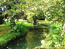 La Beauronne dans le parc du château de Bassy à Saint-Médard-de-Mussidan.