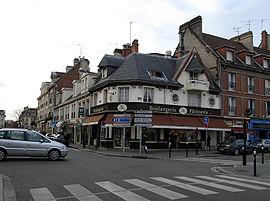 Beauvais angle place du marché.jpg