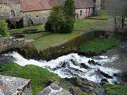 Le ruisseau des Belles-Dames à la papeterie de Vaux.